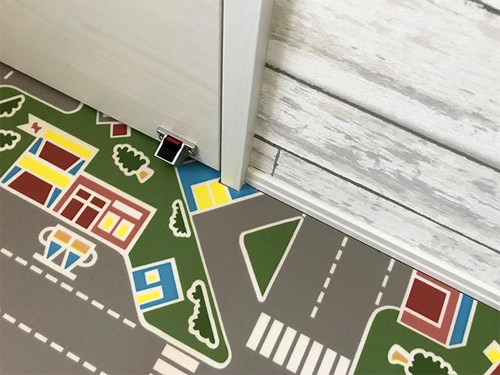 クッション性のある床材